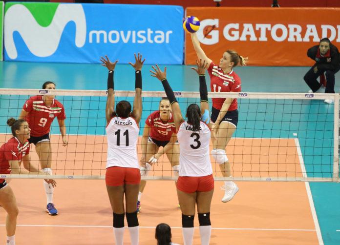 Nem sikerült a bravúr Limában a női röpiseknek, Peru az elődöntőben